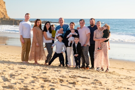 Extended family poses during a Laguna Beach family photography session